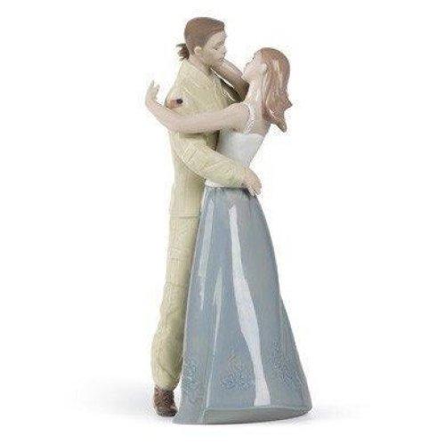 Nao Welcome Home Porcelain Figure