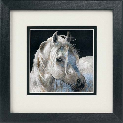 D07215 - Dimensions Mini Needlepoint - Gentle Strength