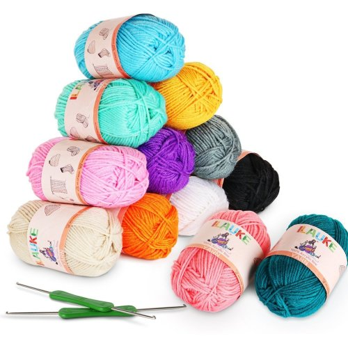 12 x 50g Balls of Assorted Double Knitting Yarn + 2 Crochets ilauke Coloured Acrylic Yarn Set (1200 mts)